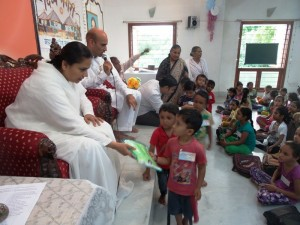 (DN0130) 01-08-15 Raincoat Distribution to Divya Nagari Children (32) (Copy)